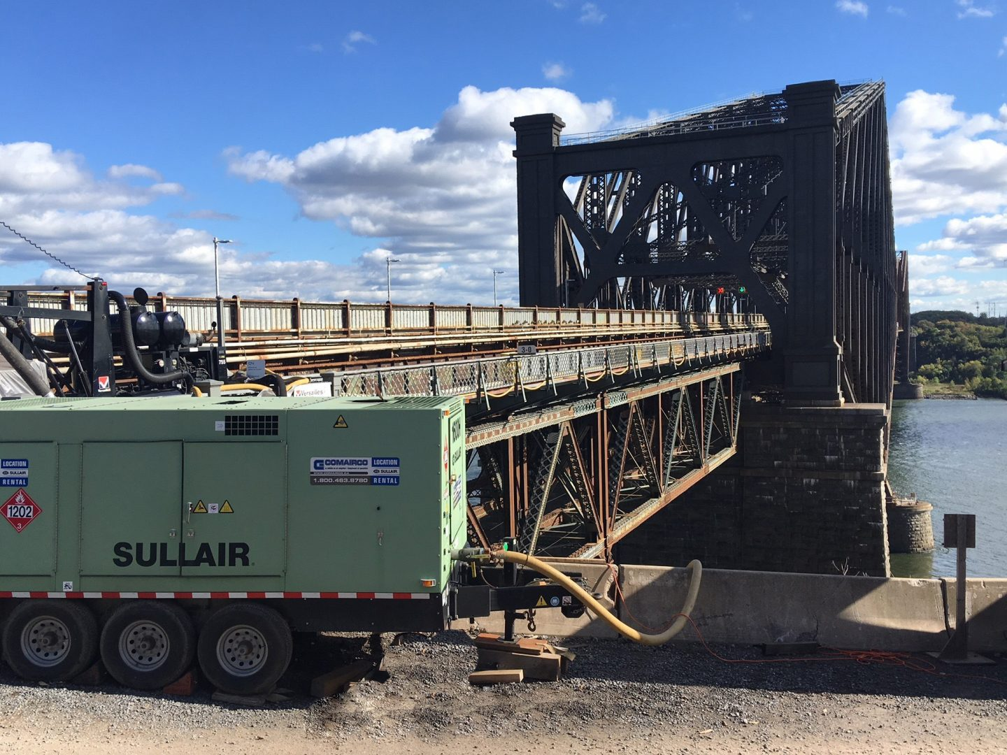 Sullair Pont Quebec - Tow-behind compressors